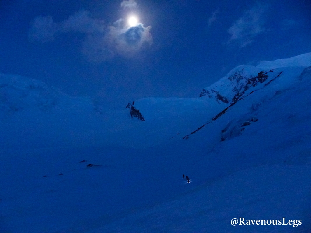 Moonlight trek to Auden's Col